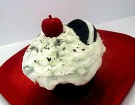 Cookies & Cream Cupcake Candle